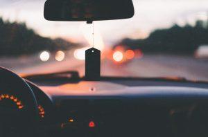 Vehículo con conductor